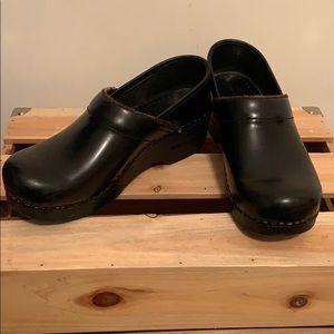 Dansko black shoes